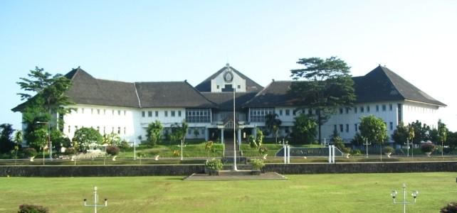 Undip Ingin Jadi Paru-paru Semarang
