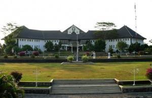 Gedung Widya Puraya Undip Tembalang.